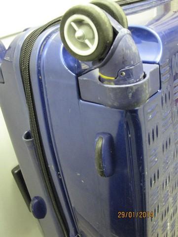 Ремонт корпуса пластикового чемодана